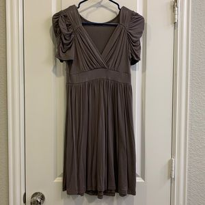 Cotton dress with ruched sleeves